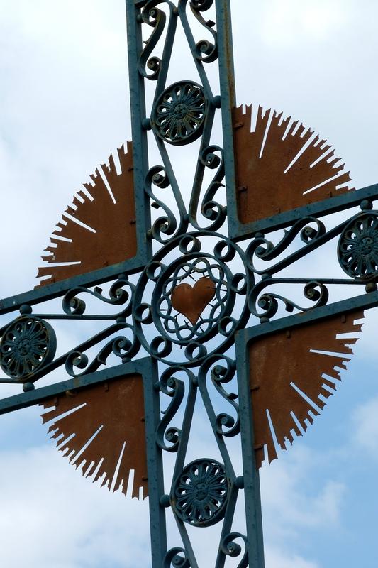 Une des croix sur le chemin de pélerinage