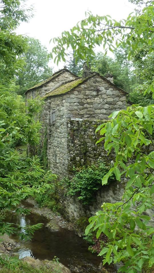 Vieux moulin à Vielvic