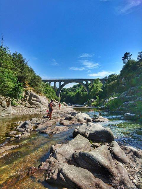 Baignade au Pont des Abarines, vers Mialet