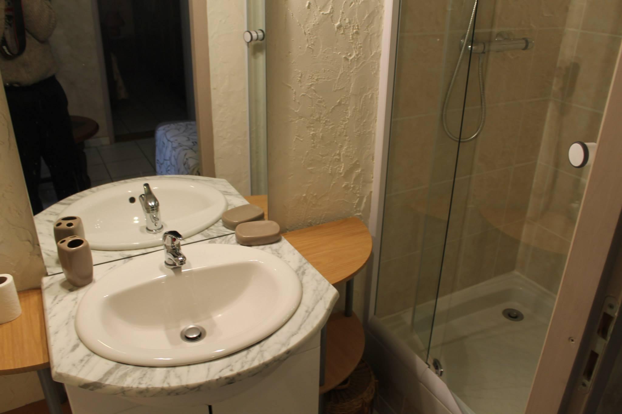 Petite salle d eau (Suite)